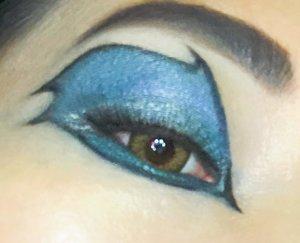 "inspirasi eotd dari ekor naga karena baru aja nonton ""how to train your dragon"" 😂😂Dan jadilah #eotd ini untuk event giveaway #inivindyxLuxcrime dan #makeupbarenginivindy @inivindy @luxcrime_id@kapinshopin@yangajaib.bulumata #makeupbarenginivindy#inivindynovember#inivindyXLuxcrimeyuk ikutan @ditaarsinthaa @anisyuniaakbar @kemalasari #eyemakeup  #eyemakeuplook #clozetteid @clozetteid"
