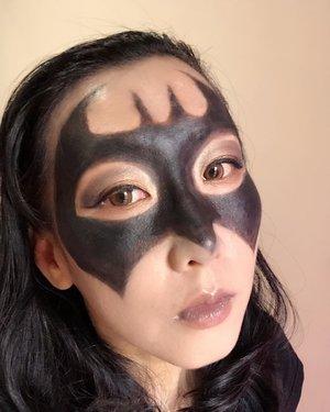 Ikutan yuk giveaway dari @pac_mt caranya hanya bikin makeup bertemakan Superhero Challege.Hadiahnya lumayan banget lho terutama IRT kayak aku yang butuh banget amunisi tambahan alat perlenongan biar tambah kreatif 🤣🤣 Tema aku kali ini : BatmanIni adalah salah satu tontonan aku masa kecil jadi bikin ini 😊#PacSuperHeroChallenge#xPacTation#PacMarthaTilaar#clozetteid