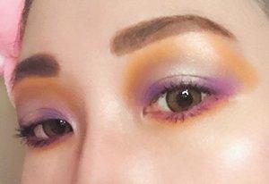 "Ini adalah submission terakhir aku untuk giveaway recreate makeup look nya @heidianatjahjadi. seperti recreate sebelumnya, mohon maap ga bs sama persis yah.. ternyata susah banget mau nangis aku bikinnya 🤣🤣🤣tapi tetep mudah2an menang yak akuu 🙏🏻🙏🏻yuk guys join jg @bidbid23 @puput972 @178.kg #heidi5kgiveawaydeets :✨eyebrow @viva.cosmetics ""dark brown""@faceshopstoreid ""dark brown""✨eyeshadow @nyxcosmetics_indonesia ""waiting for tonight""@officialtonymoly ""triple dome eyeshadow""- 11 blue motion & 12 Glam@getthelookid ""luminous"" color riche les ombreeyeshadow@maybelline color tatto ✨mascara@maybelline ""the hypercurl volum express"" & the hypercurl volum express cat eyes"" ✨blush on@bourjois_id ✨eyeliner@nyxcosmetics_indonesia ""white liner""@mizzucosmetics pen liner ""black""✨lipstick@bourjois_id no 11✨Brush & Beauty Blender@realtechniques_id & @masamishouko✨ Softlens@japansoftlens - Lunatia Brown📸 iphone X main camera#makeuplook #eyemakeup #clozetteid @clozetteid"