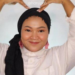 Tutorial hijab buat si muka bulat!!! Siapaaa yang udah nagihh dari kemarenn hayooo cobaa!! Full nya ada di bio aku guys 🥰🥰 ramein biar nanti aku semangat bikin lagii yg lain 🤣🤣🤣 #hijab #hijabstyle #hijabindo #clozetteid