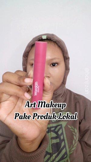 Haii haii haiii! Selamat pagiii kalian semuaa 🥰🥰 jadi disini aku mau share kalau makeup art ga harus pake produk luar loh! Produk lokal juga ga kalah kecenya! Nihhh makeup terakhir yg aku share di story aku bikin semua pake produk lokal! And I'm proto be indonesian 🥰 gampang dicari dan bisa banget kalian coba! 💋💋.Products :@rollover.reaction face mist hydrating @eminacosmetics pore ranger primer@purbasarimakeupid bb cushion 02 honey beige@mineralbotanica highlight & contour stick 02@wardahbeauty velvet matte lip mousse@fanbocosmetics acne solution loose powder 01@mukka_kosmetik brow pencil brown@pixycosmetics highlight & contour @wardahbeauty eyeshadow@sadabycathysharon skinny liquid pen liner@forher.lashes lupa typenya 😌@mizzucosmetics glue eyelashes @purbasarimakeupid flawless matte bb two way cake 02@mizzucosmetics x @khongguan_biscuits face palette@salsacosmetic Dynamatte Lipcream 01,03 & 06@viva.cosmetics face painting white@mineralbotanica lip glaze antila.#dirumahaja #makeuptutorial #artmakeup #makeup #localproduct #local #beautytutorial #clozetteid