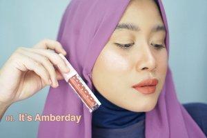 @fanbocosmetics punya lip cream baru, yaitu Fanbo Choco Rush Lip Cream.Ada 5 shades yang semuanya merupakan turunan warna cokelat.Teksturnya creamy, pigmentasinya cukup bagus, mudah untuk di-blend, ga ada yang patchy saat aku pakai.Untuk ketahanan, cukup awet dan memudar kalau kita makan makanan berminyak.Warna favorite aku 01 dan 02. Tapi semua warnanya cantik-cantik dan masuk ke warna kulit orang Indonesia pada umumnya.#clozetteid #fanbochocolipcream #fanbocosmetics #beautyinfluindoxfanbo