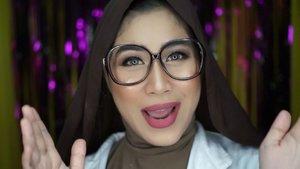 Kira-kira aku bisa lolos kompetisi lip sync ga nih gengs? HAHAA.. .Makeup look yang aku bikin ini inspired by @tiffanyyoungofficial di video clip nya yang baru,  Teach You.. .Kamu bisa cek tutorial lengkapnya di youtube channel ak (Youtube : Hai Ariani) ini link nya https://youtu.be/xTVmqrkE-5g atau kamu bisa klik di bio aku.#clozetteid #tiffanyyoung #koreanmakeup #makeupkorea #collabasia #collabindonesia #makeupforglasses
