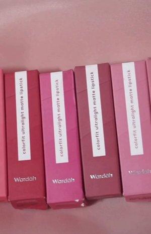 semua shade dari @wardahbeauty Colorfit Ultralight Matte Lipstick udah ada di Youtube channel aku.ada 8 shades, aku paling suka shade no 3. Kamu suka yang mana gengs?#Clozetteid #wardahcolorfitultralightmattelipstick #lipstickwardah #wardahcolorfit #wardah