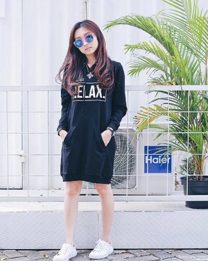 #notetoself : Relax! 😎 Cause in the end, everything's gonna be alright! 👌� Another shot while wearing Becca Hoodie Dress from @tresjoliebyminimal #mytresjolie #tresgirls  _ #clozetteid #ootdindo #LYKEambassador #lookbookindonesia #beautynesiamember #lookbookmagazine