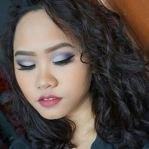 HOLIDAAAY is just around the corner! Who's ready for holiday?  Holiday make up ini terinspirasi dari warna ungu yang katanya bakal jadi warna tren di tahun 2018 💜💜 Because it is the holiday season, why don't you try something bold? Challenge yourself. Don't let the opinion of others ruin your holiday. Don't let them bring you down. Set your mood and then you're ready to make your own memorable holiday! . 👄Details : FACE 🎉@maybelline Fit Me Foundation shade 220 🎉 @maybelline Fit Me Concealer shade 20 🎉 @pac_mt New Contouring Kit  EYEBROWS 🎉@makeoverid Eyebrow Definition Kit 🎉 @justmiss_id Eyebrow pencil  EYES 🎉 @nyxcosmetics_indonesia Adorable Eyeshadow 🎉 @nivea_id x @mizzucosmetics x @tasyafarasya Sunset Eyeshadow 🎉@maybelline hypersharp eyeliner 🎉@wardahbeauty Aqua lash mascara 🎉@sleek Solstice Highlighter  LIPS 🎉 @justmiss_id Lip Cream shade 10  #BBIHOLIDAYMAKEUP2017 #beautybloggerindonesia @beautybloggerindonesia  @bvlogger.id #bvloggerid @femalevloggersid #indonesianfemalevloggers #indobeautygram @indobeautygram @beautilosophy @indobeautyinfluencer #indobeautyinfluencer #beautyblogger #wakeupandmakeup  #beautiesquad @beautisquad @beautilosophy #beautilosophy @femalebloggersid #clozetteid @clozetteid