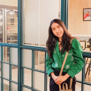Fulfill your day with enthusiasm, hope, and be an example to others  One of my favorite quote from Datuk Stella Chin ~ ~ Girlfriend look wearing top from @rolline_collection 😉 ~ ~ #enthusiasm #happy #girlfriend #helpingothers #green #hope #lifequotes #boldecasting #shoxsquad #clozetteid