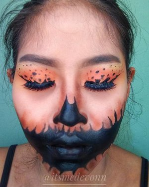 Helloween is coming...Another helloween makeup base on googling Google😁Edisi kunyit kunyitan✌️✌️...@heidianatjahjadi@jaquelicious @mmurwanti @blekribe @getthelookid @nyxcosmetics_indonesia #BeautyHackathonLorealID #NyxCosmeticId#botbnyx #halloweenmakeup #halloween#faceart#clozetteid #indobeautygram #beautybloggerindonesia #pumpkin #love