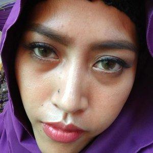 @yuliaafaradilla kepake nih pasminanya. Makaci😊😊 Happy weekend!! . . . . #hijab #hijabi #hijaber #clozetteid #pasmina #instapic #instapicture #vcso #insta
