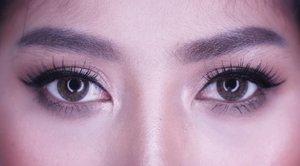 Day 1 of 7  Brown smokey eyes, entah mengapa in real life nih makeup tuh gonjreng loh... Tp pas di kamera warnanya kurang keliatan ya.... -Foundie @maxfactorindonesia -concealer @revlonid Contour @pixycosmetics  Eyebrow @pixycosmetics Eyebrow mascara @maybelline Eye @urbandecaycosmetics Lipstick @revlonid Blush @makeoverid @femalebloggersid @indobeautyblogger #oneweeksmokeyeyeschallenge  #smokeyeye #smokeyeyetutorial #makeup #eye #eyes #eyemakeup #clozetteid #indonesianbeautyblogger