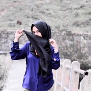 Can you give best caption or best comment for this photo?#vsco #vscocam #vscogood #vscodaily #vscocamers #instagram #instaday #instabest #instapic #instagood #instadaily #instalike #hijab #hijabers #hijabfashion #hijabstyle #hijabootd #hijabootdindo #hijaboutfit #blue #black #theexecutive #canon #canon_photos #canonphotography #diaryhijaber #clozette #clozetteid #clozettedaily