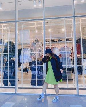 Hi 🙋🏻♀️ sekarang w lapar tapi gk bisa makan karena takut pilates 1 jam tadi sia-sia hahaha gimana dong gengs? . . . #srsstyle #clozetteid #sociolla #blogger #fashion #lifestyle #inspo #instadaily #instagood #fashion #style #explore #explorepage #fashiongoals #fashionzine #fashionactive