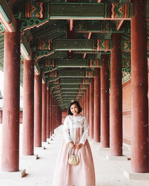 Gongju-mama (공주) vs Wangseja (왕세�) ㅋㅋㅋㅋㅋㅋㅋㅋㅋㅋ . . . 📸 taken by my beloved friend @bomgeul_  #srsexplores #southkorea #travel #seoul #btsarmy #btsjin #blogger #clozetteid