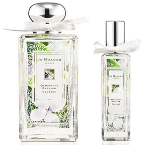 I crave for Jo Malone Perfume. Not available in Indonesia yet :( Muahal tapi... Anyone know how long it last? Some say 2-4 hours only...