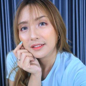 Pose sambil mikir bagus ponian atau gak sih?? 😂😂😂 ..#fdbeauty #clozetteid #universalhairandmakeup #uhmvideo #ivgbeauty #makeupclips #fiercesociety #tampilcantik #wakeupandmakeup #makeuptips #indobeautygram #makeupaddict #amazingmakeupart #lucinda212 #undiscovered_muas #indovidgram #makeupvideo #lagirlindonesia #discover_muas #beautyguruindonesia #beautygram #beautybloggerindonesia #muablora #eotd #discovervideos #nyxcosmeticsid #maccosmetics #glammakeup