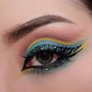 Hellooooo.... Finally! I can share new eye makeup 😄😄 Who love mint??? I do!💞 I made cut crease and play with some flitter 🌌 Beautiful �  Eyebrow @milanicosmetics Stay Put Brow in Brunette  Eyeshadow @morphebrushes  35C💕  Eyeliner @maybelline  Hyper Glossy Eyeliner  Waterline @rimmellondonus  Scandaleyes Gel Liner  Softlens @lshop_softlens  Eye Candy Jazz  Eyelashes @naomi_eyelash  Kawaii  #morphebrushes #eotd #maya_mia_y  #hudabeauty #vegas_nay  #clozetteid  #lucinda212 #eyeart #eyeshadow #eyelash #maryammaquillage #lookamillion #makeuplover #glamexpress #beautyguru #nyxcosmetics #dressyourface #motivescosmetics #makeupaddict #makeupgeek #amazingmakeupart #anastasiabeverlyhills #undiscovered_muas #belajarmakeup #motd #trendycreativity #tutorialmakeup #universalhairandmakeup #makeupjunkie