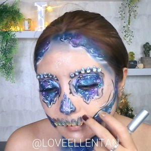 Haiiii.. guys.  Ini tutorial Galaxy Skull Makeupnya yahh.. 💀Karena cm 1 menit singkat banget.. Video lengkapnya aku sudah upload diyoutube aku LOVEELLENTAN atau kalian bs klik link dibio..cuss ditonton yah 😘#fdbeauty #clozetteid #halloweenmakeup #ivgbeauty #makeupclips  #tampilcantik #wakeupandmakeup #makeuptips #indobeautygram #makeupaddict #amazingmakeupart #maybelline #undiscovered_muas #indovidgram  #lagirlindonesia #discover_muas #beautyguruindonesia #beautygram #beautybloggerindonesia #muablora #eotd #sephorahalloweenbeauty #nyxcosmeticsid #glammakeup #indobeautysquad #jakartabeautyblogger