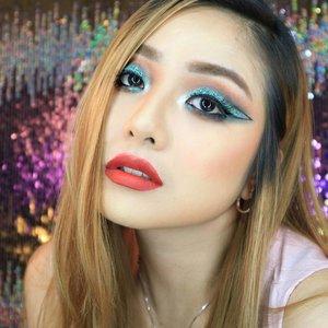✨ Day to Night Party Look for Christmas🎄with @morphebrushes x @jaclynhill Palette💖 . TUTORIAL ➡➡PREVIOUS POST😘 . @kara.beauty Galaxy Palette🌌 .  @esqacosmetics Matte Lip Liquid in Forbidden Red 🍒 . . Kalo buru2 gini nih.  Makeup yg sudah ada ditimpa aja 😂😂 . Enjoy 😘 .. #fdbeauty  #clozetteid  #universalhairandmakeup #uhmvideo #ivgbeauty #MOTD #fiercesociety #makeuplover #wakeupandmakeup #makeuptips #indobeautygram #makeupaddict  #amazingmakeupart #brianchampagne #undiscovered_muas #indovidgram #fotd #makeupvideo #make4glam #discover_muas #makeupmafia #beautyguruindonesia #beautygram #beautybloggerindonesia #muablora #indobeautysquad #discovervideos #karabeauty