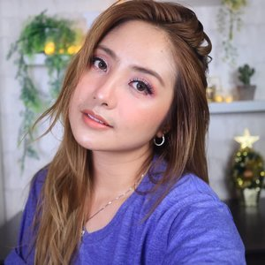 Simple sweet purple makeup 😍..#fdbeauty #clozetteid #universalhairandmakeup #uhmvideo #ivgbeauty #makeupclips #fiercesociety #tampilcantik #wakeupandmakeup #makeuptips #indobeautygram #makeupaddict #amazingmakeupart #maybelline #undiscovered_muas #indovidgram #makeupvideo #lagirlindonesia #discover_muas #beautyguruindonesia #beautygram #beautybloggerindonesia #muablora #eotd #discovervideos #nyxcosmeticsid #maccosmetics #glammakeup #indobeautysquad #jakartabeautyblogger
