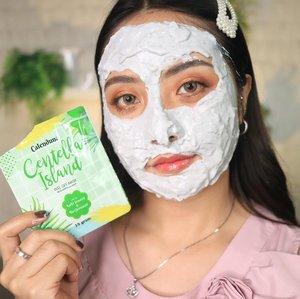 Guys ini masker natural yang kece 🥰 dari @skincareblora ... Dikemas persachet jadi mudah banget kita pakai n simpan. Harganya juga terjangkau banget.Jenisnya ada banyak banget, ada yang powder ada juga yang peel off.*Calenduna Lavender Lagoon (peel off mask) untuk kulit normal & kombinasi.* Calenduna Calendula Tropic (peel off mask) untuk kulit kusam & kering.* Calenduna Beets Blossom untuk acne treatment* Calenduna Golden Pineapple untuk glowing skin * Poupeepou Milk Time untuk mencerahkan dan menghaluskan* Poupeepou Coffee Holic untuk  melembutkan dan menghaluskan* Poupeepou Matcha hntuk kulit berjerawat,melembabkan dan mencerahkan* Vitamin C + Collagen (peel off mask) untuk mencerahkan dan mengurangi garis halus .Dan yanv aku pakai ini Calenduna Centella Island (peel off mask) untuk kulit berjerawat & sensitif )Cek review di post sebelumnya ya ❤️ Buruan kepoin ignya & order di @skincareblora..#fdbeauty #clozetteid  #ivgbeauty #makeupclips #maskernatural #tampilcantik #wakeupandmakeup #makeuptips #indobeautygram #skincarealami #maybelline #maskeralami #indovidgram #makeupvideo #lagirlindonesia #beautyguruindonesia #beautygram #beautybloggerindonesia #muablora  #discovervideos #nyxcosmeticsid  #glammakeup #indobeautysquad #jakartabeautyblogger