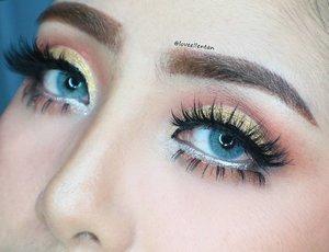 Soft Glam Look 💖 . . Softlens SWEETY PITCHY in Gray😍 @mysoftlenscom @mysoftlenscom @mysoftlenscom  Warna abu2 mix hijau di bagian inner. Cantik dan super nyaman 😘 . . ------------------------------------------ @kleancolor Retractable Eyebrow Pencil in Brown & frameous tinted eyebrow @morphebrushes 35c @makeoverid Eyeliner pencil in Silver @maybelline The Hyper Curl Mascara @xpert_official Gliiter in Gold . . Upperlash @lashnatic Double stack Jade & Coral Lowerlash @lashnatic Jasmine . .  #eotd #fdbeauty  #clozetteid  #lucinda212 #maybelline  #anastasiabrows #ivgbeauty #semarangvidgram #makeuplover #wakeupandmakeup #indobeautygram #makeupaddict #amazingmakeupart #anastasiabeverlyhills #belajarmakeup  #tutorialmakeup #muablora #discover_muas  #suvabeauty #beautygram #beautyvlog #indovidgram #instamakeup #tipsdandan  #tipsmakeup #makeupartist #makeuptips #indonesiabeautyvlogger
