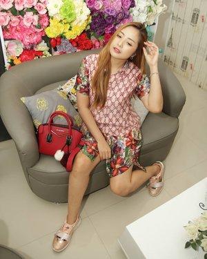 💕Post stok foto lama aja 😁..#fotd  #ootd #clozetteid #fashion #indonesianbeautyblogger #potd #outfitoftheday #ootdindonesia #muablora  #pictureoftheday  #fashionoftheday