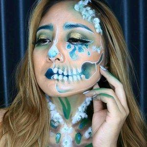 💢 Crying Skull😭.Detail ▶@nyxcosmetics_indonesia Nyx Cosmic Metals  Lip Cream in Electromagnetic.@mehronmakeup Paradise AQ.@@morphebrushes 35C.@makeoverid Silver lines.@silverswanlash Dotterine ..#undiscovered_muas #makeupforeverid #nyxcosmeticsid #thebalmhalloweencontest  #thebalmhalloweenlook #bringouttheboo #makeupuccinoxcatrice #halloweenmakeup  #fdbeauty  #clozetteid  #makeupartistworldwide #ivgbeauty #makeupclips  #nyxcosmetics  #makeuplover #wakeupandmakeup #dressyourface #indobeautygram #makeupaddict  #amazingmakeupart #absolutenewyork #tutorialmakeup#makeupvideo #beautyguruindonesia #makeuptips  #beautygram #beautyvlog  #brianchampagne #muablora
