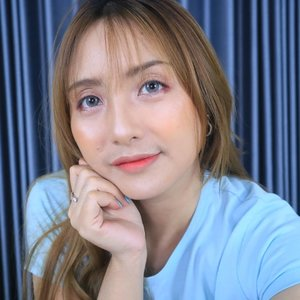 Korean makeup style favorite pakai product favorite .. ❤Super simple dan bikin eyeshadownya pakai tangan ajahh. Tutorial soon yah.. 😘.#fdbeauty #clozetteid #universalhairandmakeup #uhmvideo #ivgbeauty #makeupclips #fiercesociety #tampilcantik #wakeupandmakeup #makeuptips #indobeautygram #makeupaddict #amazingmakeupart #beautyandhairdiaries #undiscovered_muas #indovidgram #makeupvideo #lagirlindonesia #discover_muas #beautyguruindonesia #beautygram #beautybloggerindonesia #muablora #toofaced #discovervideos #nyxcosmeticsid #maccosmetics #glammakeup #makeupforeverid
