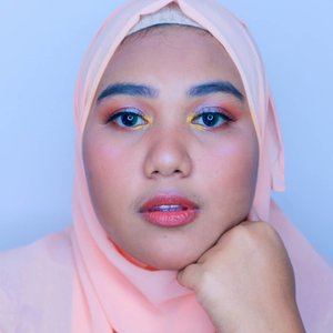 Selamat #mudiklebaran teman teman! Ini bukan look buat mudik kok. Ini buat asik asikan 🌌Eyeshadow : @focallure Twilight PaletteLips : @lookecosmetics Holy Lip Cream - GaiaSoftlense : @x2softlens Stardust - Aurora@beautiesquad #beautiesquad @setterspace #setterspace @bunnyneedsmakeup #bunnyneedsmakeup @tampilcantik #tampilcantik @hudabeauty #hudabeauty #clozetteid #makeupgeek #makeuptutorial #makeup #makeupartist #makeuptutorials #makeuplook #makeuplife #makeupindo #tutorialmakeup