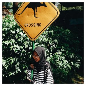 Drawing your lines, so you can choose for crossing, stop or taking a break . . . #clozetteid #crossing #kangaroo #daily #lifequotes #lifestyle