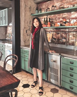 Harry Potter vibes 🔮⚡️Can you guess which Hogwarts house would I be in?...#jessicaalicias #JessiJalanJalan #clozetteid #seoul #c27cheesecakeandcoffee