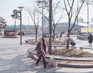 #throwback to zero degress + wind = me stuttering. But still enjoying the view 🍂.Happy weekend! ☺️☺️....#jessicaalicias #jessicaaliciasholiday #clozetteid #ggrep #stylehaul #koreatrip #dongdaemun #일상 #데일리 #인스타그램 #소통 #팔로우미 #맞팔해요 #행복해 #행복스타그램
