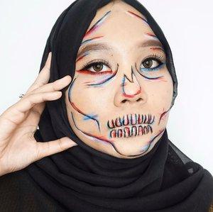 Skull makeup collaboration with @pkubeautyblogger ☠️ #ArtMakeupnyaTami.Ib: @samuel.rayy 🧑🏻🎨 Coba digeser dikit slidenya, liat dulu makeup dari temen-temku yang lain ya😉🙈.#horrormakeup #skullmakeup #halloweenideas #halloweenmakeup #halloween2020 #makeupart #facepainting #facepaint #undiscoveredmuas #100daysofmakeup #ClozetteID