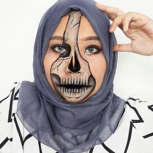 💀☠️.Ib: @muaautumn 👩🏻🎨 Besok bikin makeup apalagi nih? .#horrormakeup #skullmakeup #halloweenmakeup #halloween2020 #makeupart #facepainting #facepaint #undiscoveredmuas #100daysofmakeup #ClozetteID