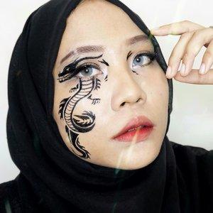 🐉🐲.Ib: @njiecw .#dragonmakeup #makeupart #facepainting #facepaint #undiscoveredmuas #100daysofmakeup #ClozetteID