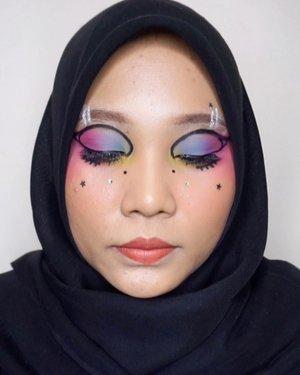 👩🏻🎨.Makeup inspired by @deemakeupart @cindercella.#bananachallenge #tiktokdance #tiktokindonesia #makeupart #facepainting #facepaint #undiscoveredmuas #100daysofmakeup #ClozetteID