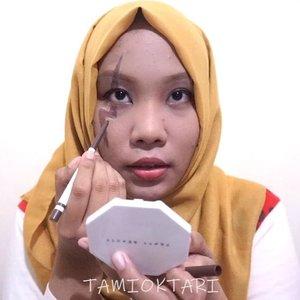 #MiniTutsbyTami .Laxus Dreyar dari Fairy Tail versi hijaban wkwk 🤣⚡ Ya, ini tuts ama bsound gak sinkron. Yg satu jepang, yg satu korea. Ya udah, gpp lah ya😋✌.Products i used🐣 @revlonid Colostay Foundie 220 Natural Beige🐣 @focallure Fluid Foundie 04 Natural🐣 @marckscosmeticind Bedak Tabur - Rose🐣 @silkygirl_id 3D Brow & Nose Powder🐣 @mineralbotanica Precision Eyeliner Pen🐣 @ltpro_official Long Lasting Eyeliner🐣 @dejavu.indonesia Mascara🐣 @kleancolor Mello Gel - Snowflake🐣 @wardahbeauty Eyeshadow seri G🐣 @minisoindo Ultra Thin Waterproof Eyeliner🐣 @maybelline The Powder Mattes - Touch of Nude.#Beautiesquad #BeautygoersID #kbbvfeatured #beautybloggerindonesia #pkubeautyblogger #bloggerceria #beautysecretsquad #indonesiabeautyblogger #HijabersBeautyBVlogger #bloggirlsid #setterspace #bloggerperempuan #bloggermafia #clozetteid