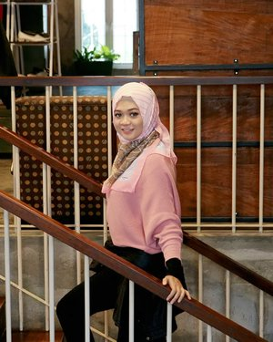 Enjoy the little things, for one day you may look back and realize they were the big things....#ootd#gadzoticastyle  #casualstyle #candid #fashion  #ootdindonesia #hijaberindo #hijabersurabaya #candid #photography #positivevibes #hijabootd #hijabootdindo #hijabootdindonesia #hijabstyle #hijabstyleindonesia #훈녀 #훈넘#옷스타그램#패션 #데일리룩  #hijabinfluencer #fotd #bblogger #bbloggerid  #beautybloggerid #influencer #beautyinfluencer #photography #clozetter #clozetteid
