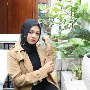 Stay classy 🌟.#fashion #lifestyle #hijab #ootdindonesia @ootdindo #ootdindo #hijaberindo #hijabersurabaya #photography #hijabootd #hijabootdindo #hijabootdindonesia #hijabstyle  #훈녀 #옷스타그램#패션 #데일리룩 #hijabinfluencer @lookbookindonesia #lookbookindonesia #bbloggerid  #beautybloggerid #fashioninfluencer #influencersurabaya #edgyfashion #clozetter #clozetteid