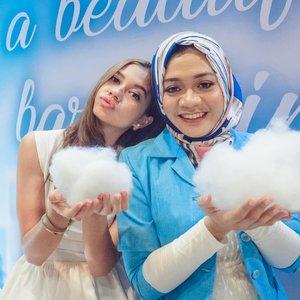 "Ceritanya main ""busa"" sama @yukikt 😜 Sukses buat film terbarunya ya Yuki. Sampai jumpa lagii 💕  #wefie #fotd #훈녀 #sbybeautyblogger #beautyinfluencer #beautybloggerid #lifestyle #beauty #clozetteid"