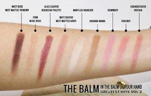 Hayoo ini swatchesnya apa? Iya, ini swatchesnya @thebalmid @thebalm_cosmetics In The Balm Of Your Hand Greatest Hits Volume 2. Kamu bisa dapetin produk-produk unggulan The Balm dalam 1 palet loh. Yakin masih nggak tergoda buat koleksi palet ini? . Buat yg penasaran palet ini sebagus apa, baca reviewnya di gadzotica.com ya! http://bit.ly/TheBalmPaletteReview (Clickable link in bio) . __ #thebalm #thebalmofyourhandvol2 #thebalmpalette #thebalmindonesia #beauty #makeup #flatlays #flatlay #flatlayideas #flatlayphotography #productphotography #makeupjunkie #makeupaddict#bblogger#bbloggerid #review #beautybloggerid#influencer#beautyinfluencer#photography#gadzoticareview #gadzotica #clozetter#clozetteid
