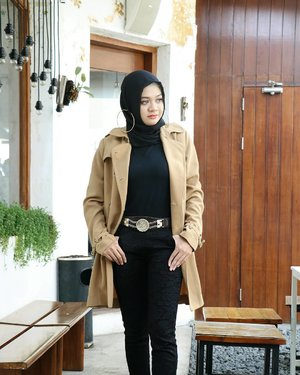 Self confidence is the best outfit.Rock it. Own it. 👢....#ootd #gadzoticastyle  #edgystyle #edgyfashion #glamfashion #candid #fashion #hijab #ootdindonesia @ootdindo #ootdindo #hijaberindo #hijabersurabaya #candid #photography #hijabootd #hijabootdindo #hijabootdindonesia #hijabstyle  #훈녀 #옷스타그램 #패션 #데일리룩 #hijabinfluencer @lookbookindonesia #lookbookindonesia #openendorse #influencer #fashioninfluencer #photography #clozetter #clozetteid