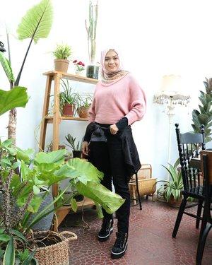 Have a nice weekend, everyone..#hijab #fashion #gadzoticastyle#edgystyle #edgyfashion #ootdindonesia @ootdindo #ootdindo #hijaberindo #hijabersurabaya  #photography #hijabootd #hijabootdindo #hijabootdindonesia #ootdhijab #hijabstyle  #훈녀 #옷스타그램#패션 #데일리룩 #hijabinfluencer @lookbookindonesia #lookbookindonesia @setterspace #setterspace #bbloggerid  #beautybloggerid #influencer #fashioninfluencer #clozetter #clozetteid