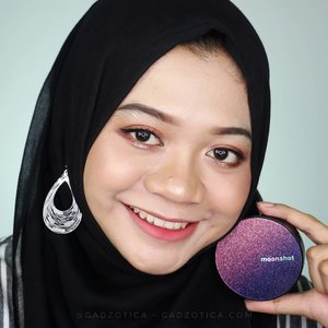 Hello gorgeous! Do you love cushion foundation? If you do, then you should try the popular @moonshot_korea Micro Correctfit Cushion. I love the galactic things. Oh, Moonshot. You know how to attract me � . I'm using shade 301, which is the darkest of all colors. I can't lie. The color still matches my skin tone. The formula and long-lasting power are really TREMENDOUS! Moonshot Micro Correctfit is my favorite! . The review about Moonshot Micro Correctfit Cushion is already published at gadzotica.com bit.ly/GDZ-MoonshotCorrectfit (Clickable link is on the bio) . . #moonshot #moonshotcorrectfitcushion #correctfitcushionreview #cushionreview #moonshotreview #koreanbeauty #kbeauty #beautyblogger #beautybloggerid #beautyinfluencer #훈녀 #문샷 #sbybeautyblogger #makeup #fotd #koreanmakeup #clozetteid