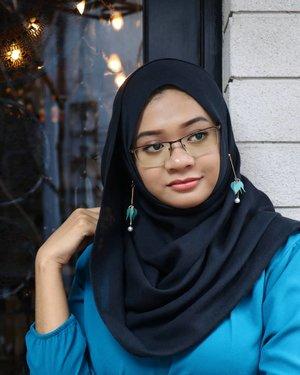 Have a great Saturday, everyone!....#gadzoticastyle #streetstyle #casualstyle #candid #lookbook #lookbookindonesia #fashion #fashioninfluencer #hijaberindo #hijabersurabaya #candid #hijabootd #hijabootdindo #hijabootdindonesia #hijabstyle #hijabstyleindonesia #흔녀 #inspirasihijab #hijabinfluencer #fotd #ootd #bblogger #bbloggerid #fashionblogger #beautybloggerid #influencer #beautyinfluencer #photography #clozetter #clozetteid
