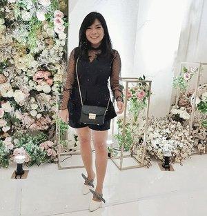 Good night online fams~ 🌙 . . . @lookbookindonesia @styled.ootd #charisceleb #clozetteid #styleblogger #ootd #lookbookindonesia #stylehaul #ootdasian #styleootd #stylenanda #styleicon #lookbooks #whatiwore #tampilcantik #ootdindo #ootdfashion #fashioninspiration #bloggermafia #bandunginframe #siapasihlo  #styledootd #ootdasean