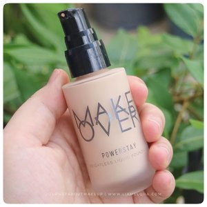 Favorite Liquid Foundation. @makeoverid Powerstay Weightless Liquid Foundation. Udah sering dipake, cuma baru kelar nulis reviewnya di www.liamelqha.com . Yang masih doyan liquid foundation, cus mampir yaa. Link nya di BIO. 🍀 #makeoverindonesia #powerstayweightlessliquidfoundation #liamelqhadotcom #JourneyAboutMakeup #beautyblogger #bloggingmom #BloggerPerempuan #Beautiesquad #KEB #KumpulanEmakBlogger #ClozetteID #IndonesiaFemaleBlogger #SociollaBlogger #KBBVmember #batambeautyblogger #batamblogger #indonesiabeautyblogger #beautybloggerindonesia #setterspace #review  #beautytips #beautyaddict #makeupaddict