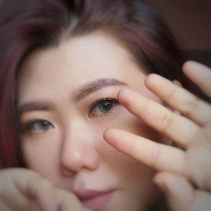Happy Saturday!#Clozetteid #monolideyemakeup #liamelqhaeotd #asianmakeup #beautiesquad #BloggerPerempuan #batambeautyblogger