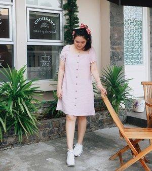 Croissant is my best friend 🥐 . . . . . . . . #clozetteid #ootd #ootdindo #lookbook #lookbookindonesia #lifestyleblogger #fashion #blogger #fashionblogger #wiwt #potd #vscocam #eosm10 #lovelife #instagood #streetstyle #potd #eosmdiaries #ggrep #ggrepstyle #cgstreetstyle #streetfashion #setterspace