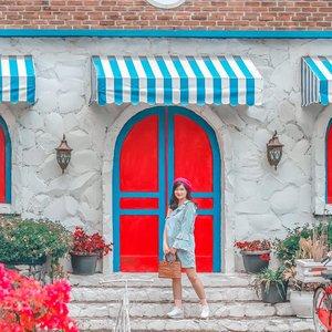 Good morning! ☀️☀️.....#clozetteid #ootd #ootdindo #lookbook #lookbookindonesia #lifestyleblogger #fashion #blogger #fashionblogger #wiwt #potd #vscocam #eosm10 #lovelife #instagood #streetstyle #potd #eosmdiaries #ggrep #ggrepstyle #cgstreetstyle #streetfashion #setterspace #magicedit
